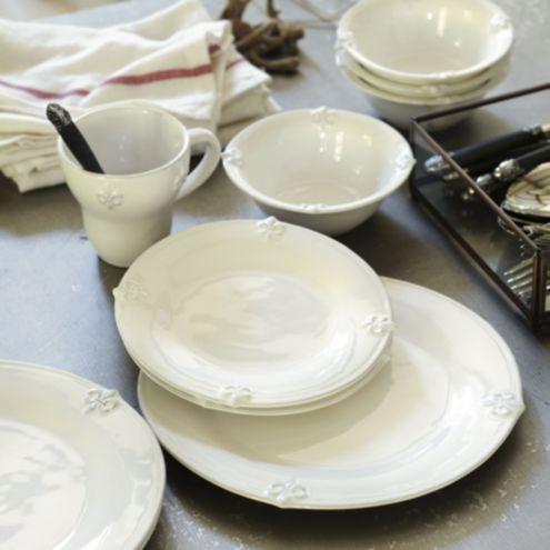 Set Of 4 Fleur De Lis Dinner Plates