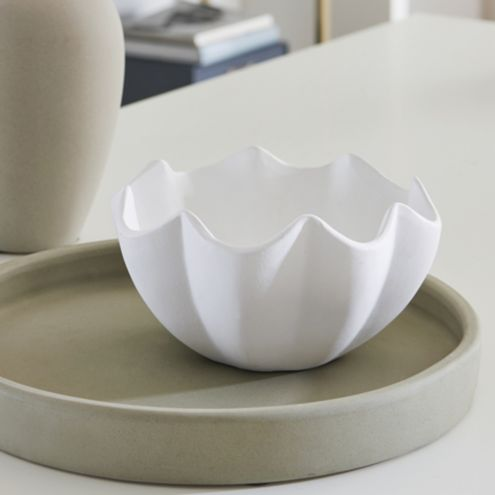 Lily Wave Scalloped Bowl