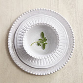 Lille Dinnerware Collection