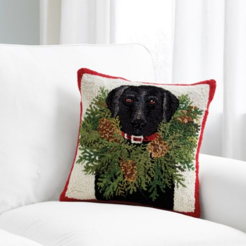 Black Lab Wreath Pillow