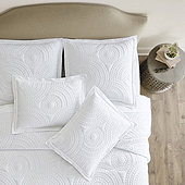 Sol Matelasse Coverlet Bedding