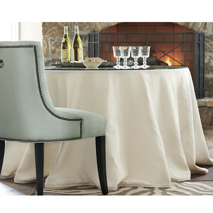 Ordinaire 108 Inch Essential Tablecloth
