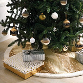 Antelope Tree Skirt