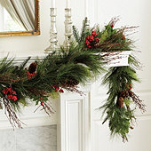 Mixed Pine & Berry Garland