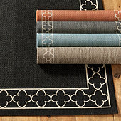Suzanne Kasler Quatrefoil Border Indoor/Outdoor Rug