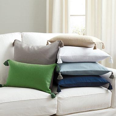 Linen Tassel Pillow in Green