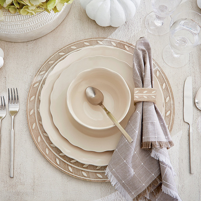 Laurier 16-Piece Dinnerware Set